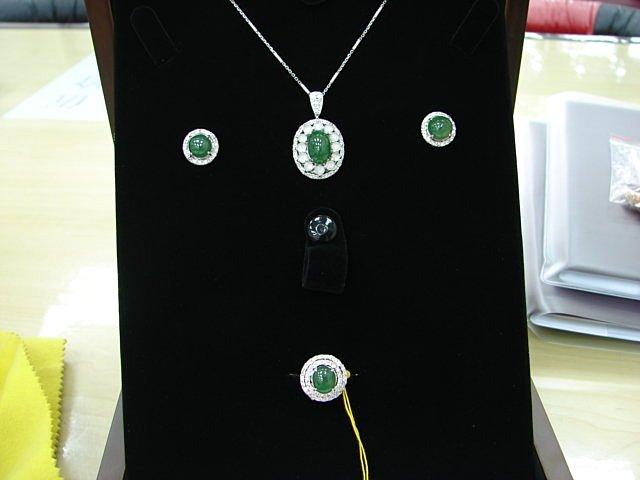 台中 流當品拍賣 天然A貨 翡翠鑽石套組 耳環 墬子 戒指 附證書 喜歡價可議