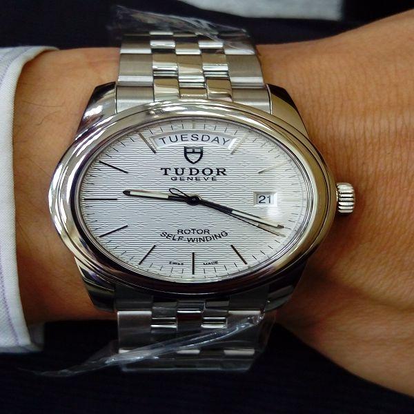 台中流當手錶拍賣 原裝 未使用全新品 TUDOR 帝舵 56000 不鏽鋼 自動 男錶 盒單齊全 喜歡價可議