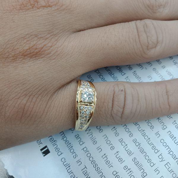 台中當舖流當拍賣 流當鑽石 45分 H色 K金 豪華鑽戒 喜歡價可議 KS002
